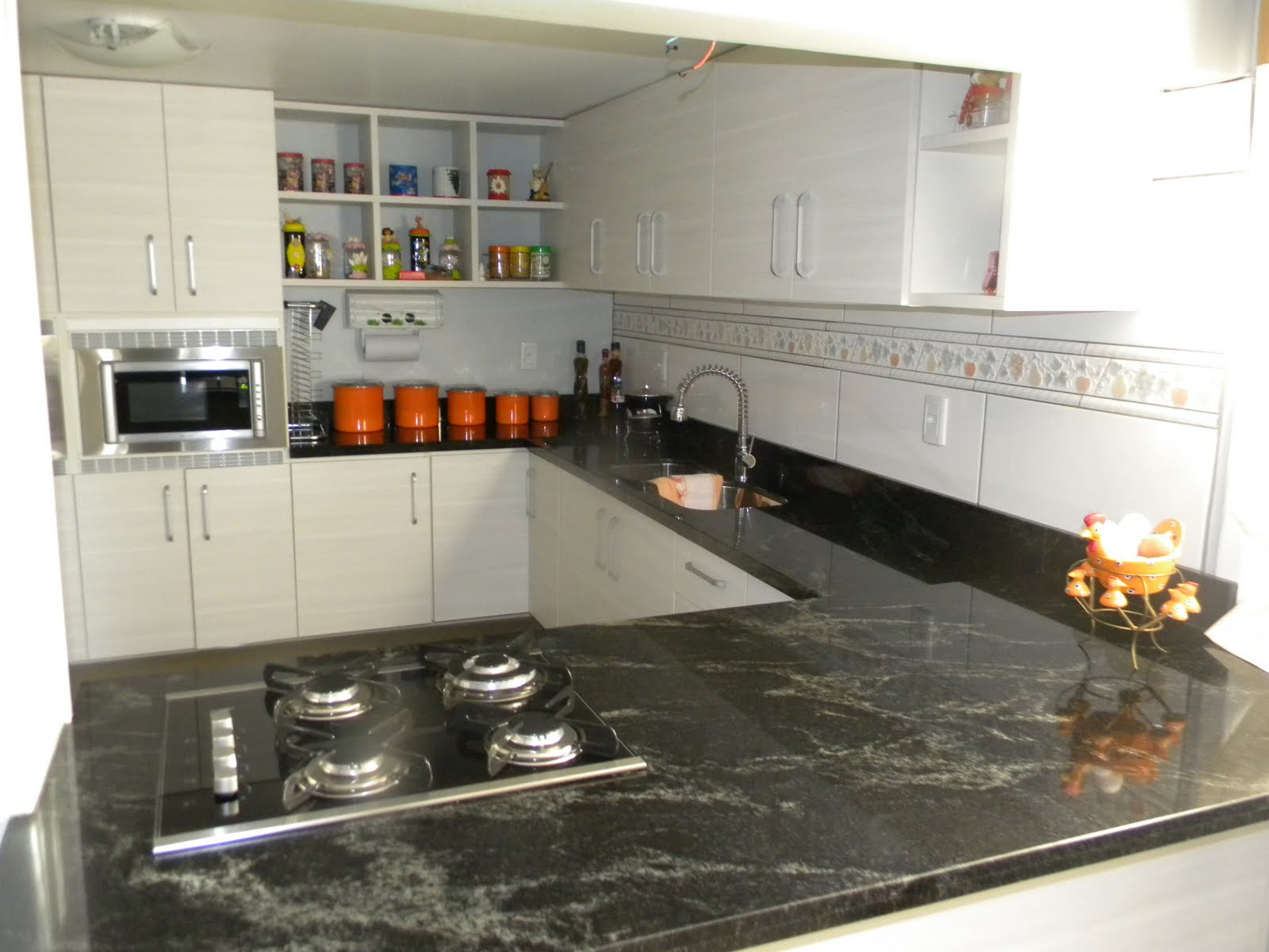 Cozinha concebida em Granito Black Star Marmoraria MPK #BD4808 1600 1200