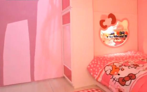 manjakan anak dengan kamar hello kitty desain rumah