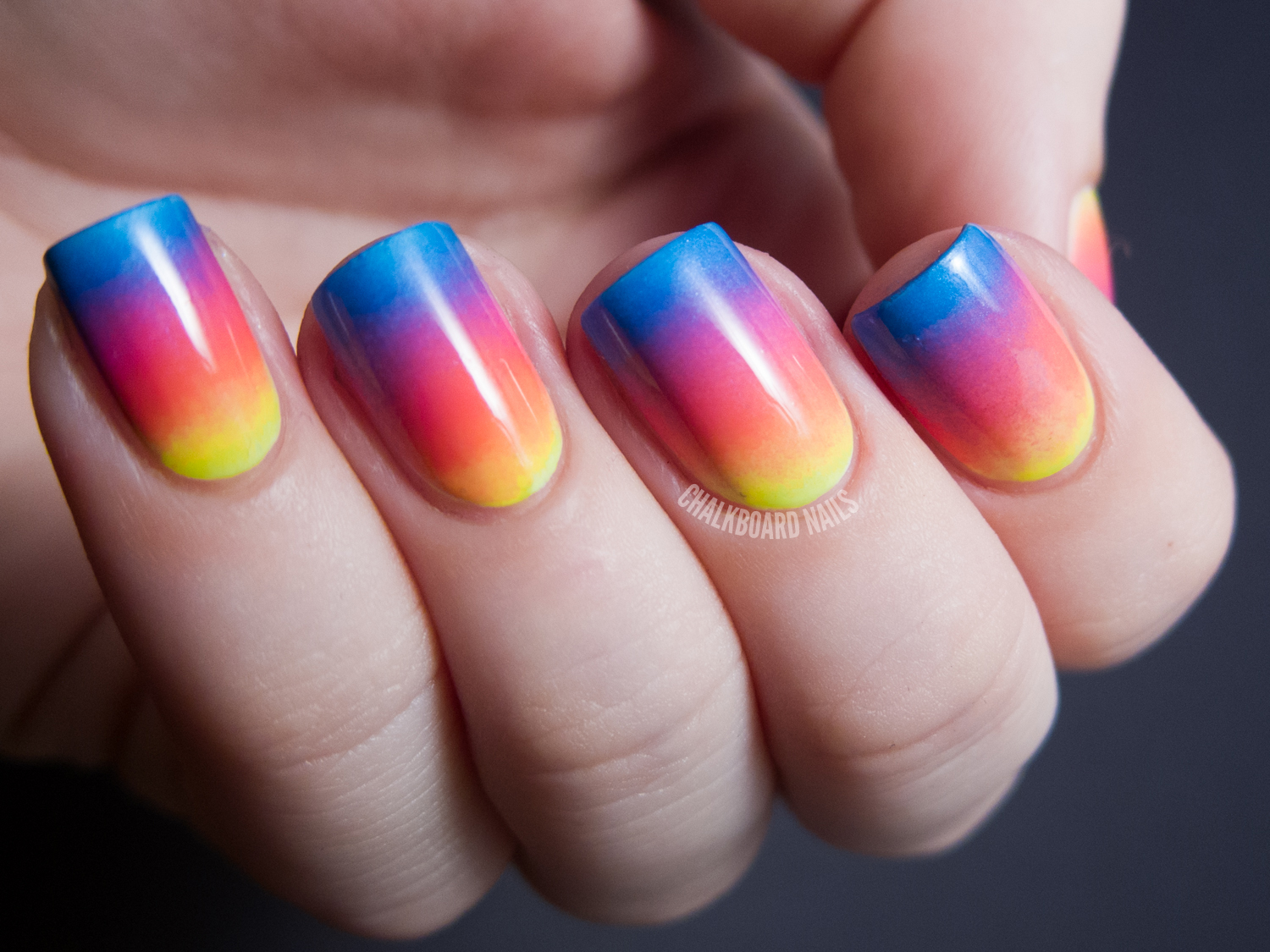 Sunset Gradient Maze Patterned Nails - Sunset Gradient Maze Patterned Nails Chalkboard Nails Nail Art