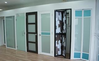 Pilihan Pintu Kamar Mandi Minimalis Model Baru
