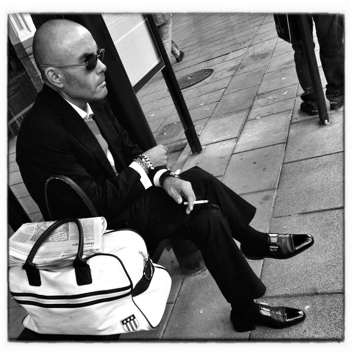iPhoneography : The White Bag Hitman
