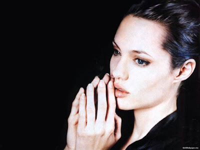 Hollywood Angel Angelina Jolie Wallpaper