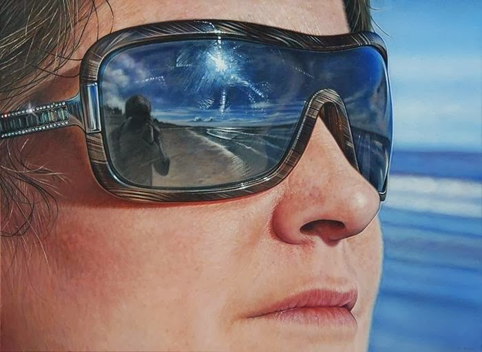 Mega Photorealistic Paintings by Simon Hennessey