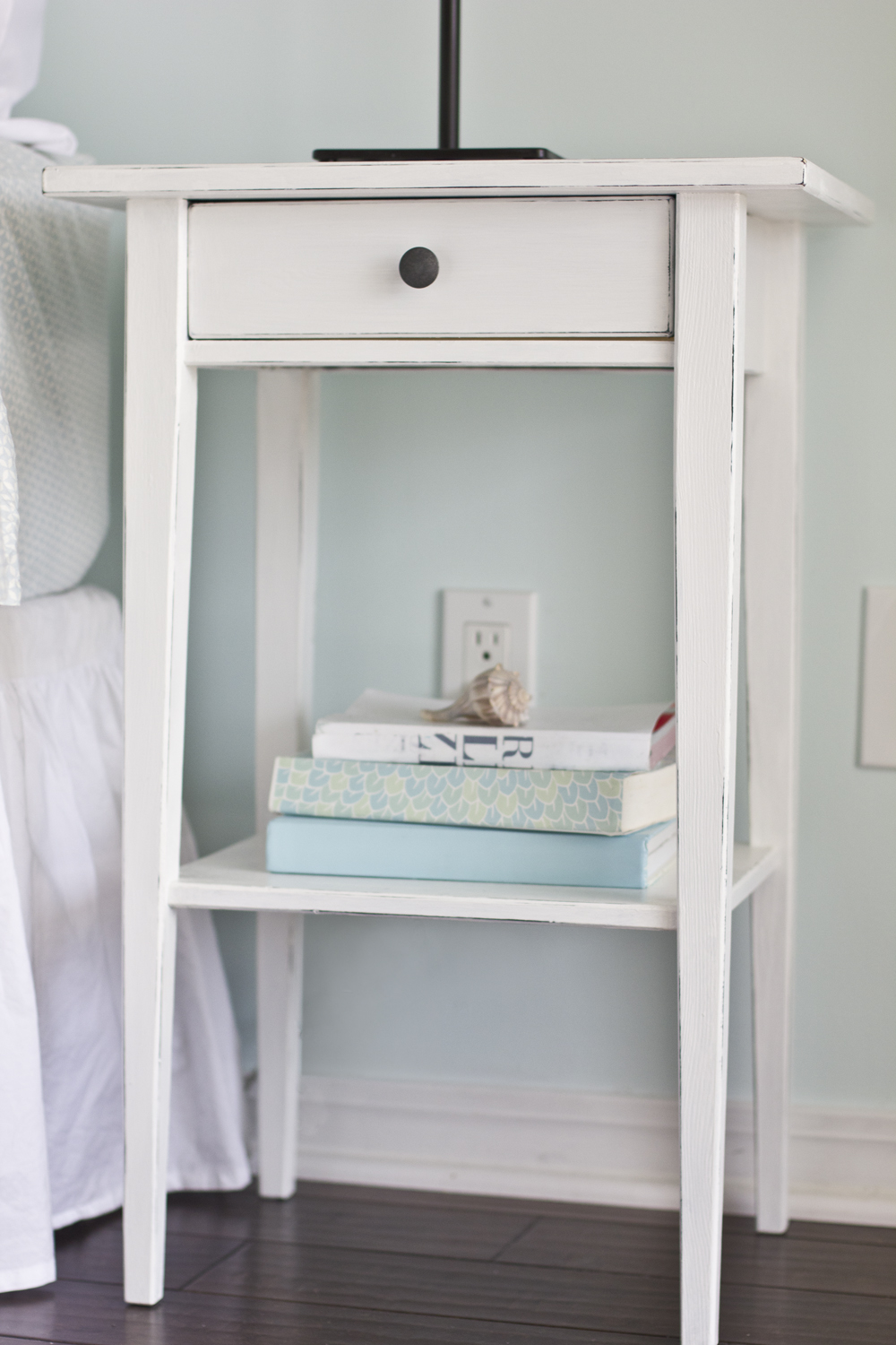 Ikea nightstand hack before after thenest for Table de chevet ikea