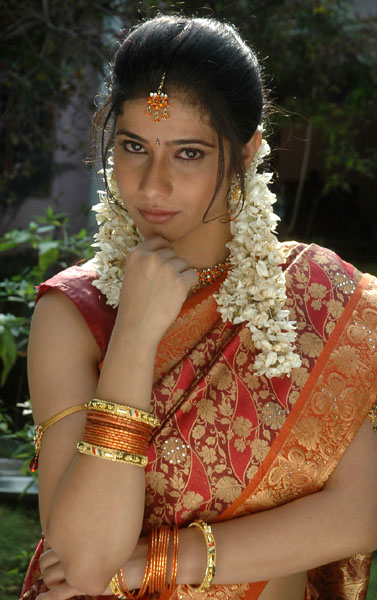 love life movie heroine kashmira pics3