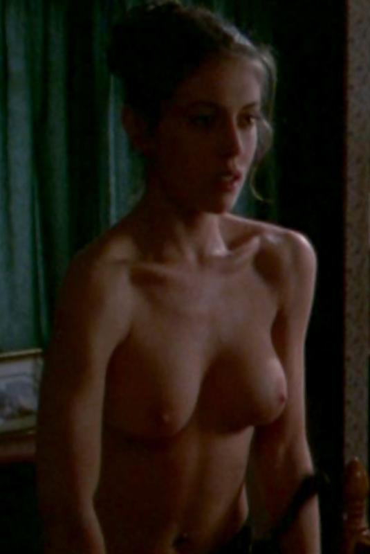 Alyssa milano sexy topless Meerjungfrau