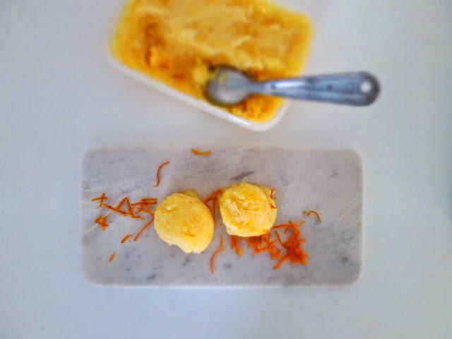 Cremet appelsinsorbet af søde økologiske appelsiner