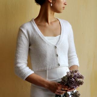 Zapinany sweterek ślubny