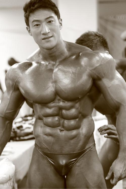 Korean muscle: Hwang Chul Soon