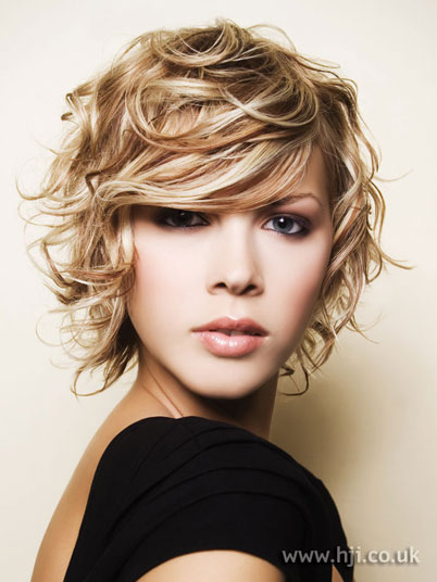 hairstyles for shoulder length hair. medium length curly hairstyles