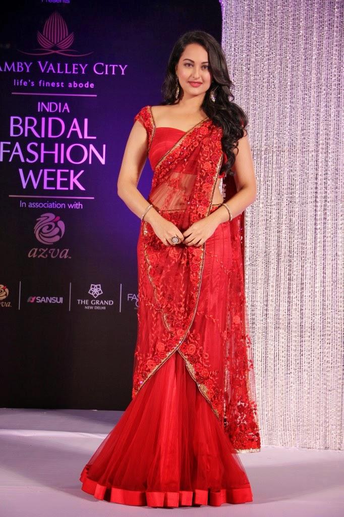 401 best Hot Actresses in Bollywood actress saree photos