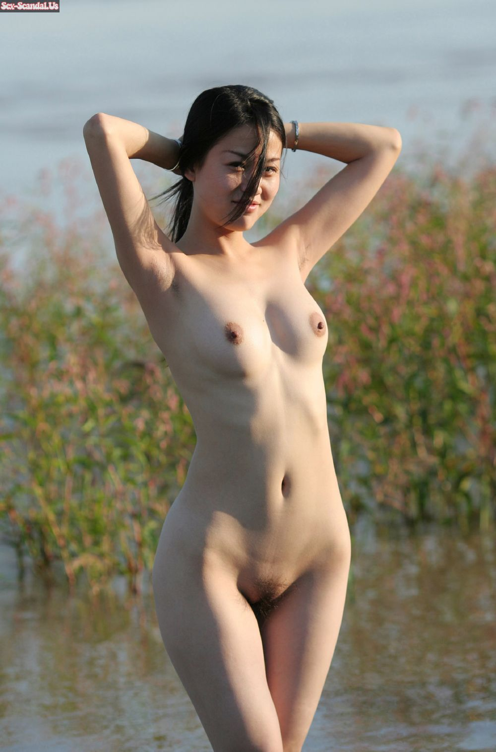 korea cute girl nude in the beach
