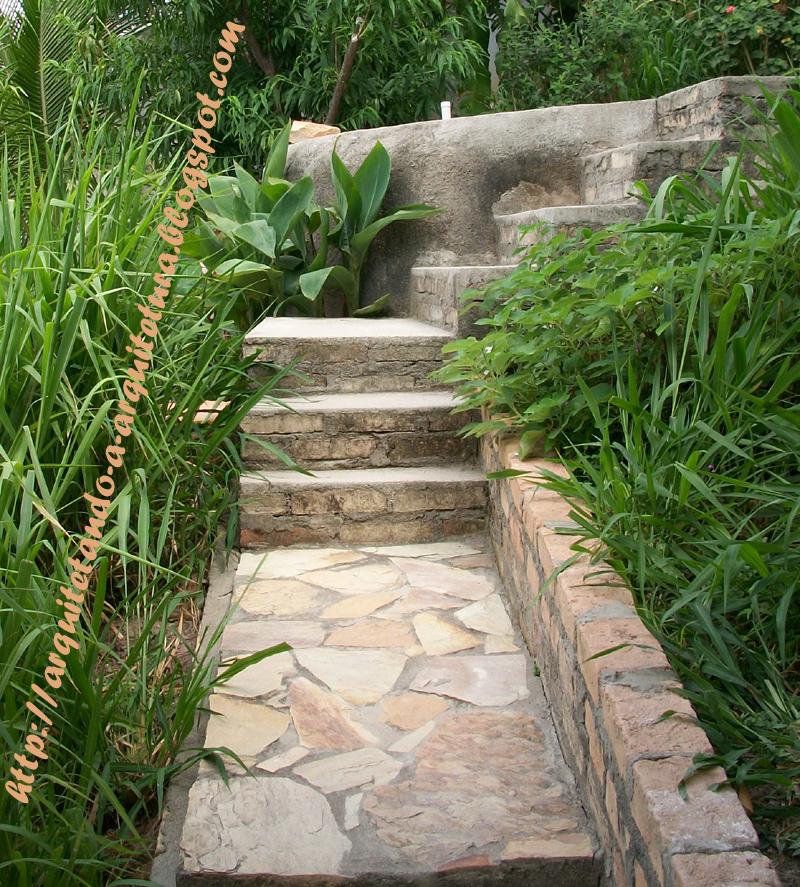 ideal é utilizar as rampas nas partes retas e as escadas nas