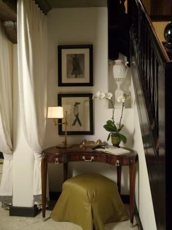 Living Room Design Ideas With Modern Furniture Corner Table