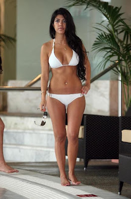 Kourtney Kardashian amazing body