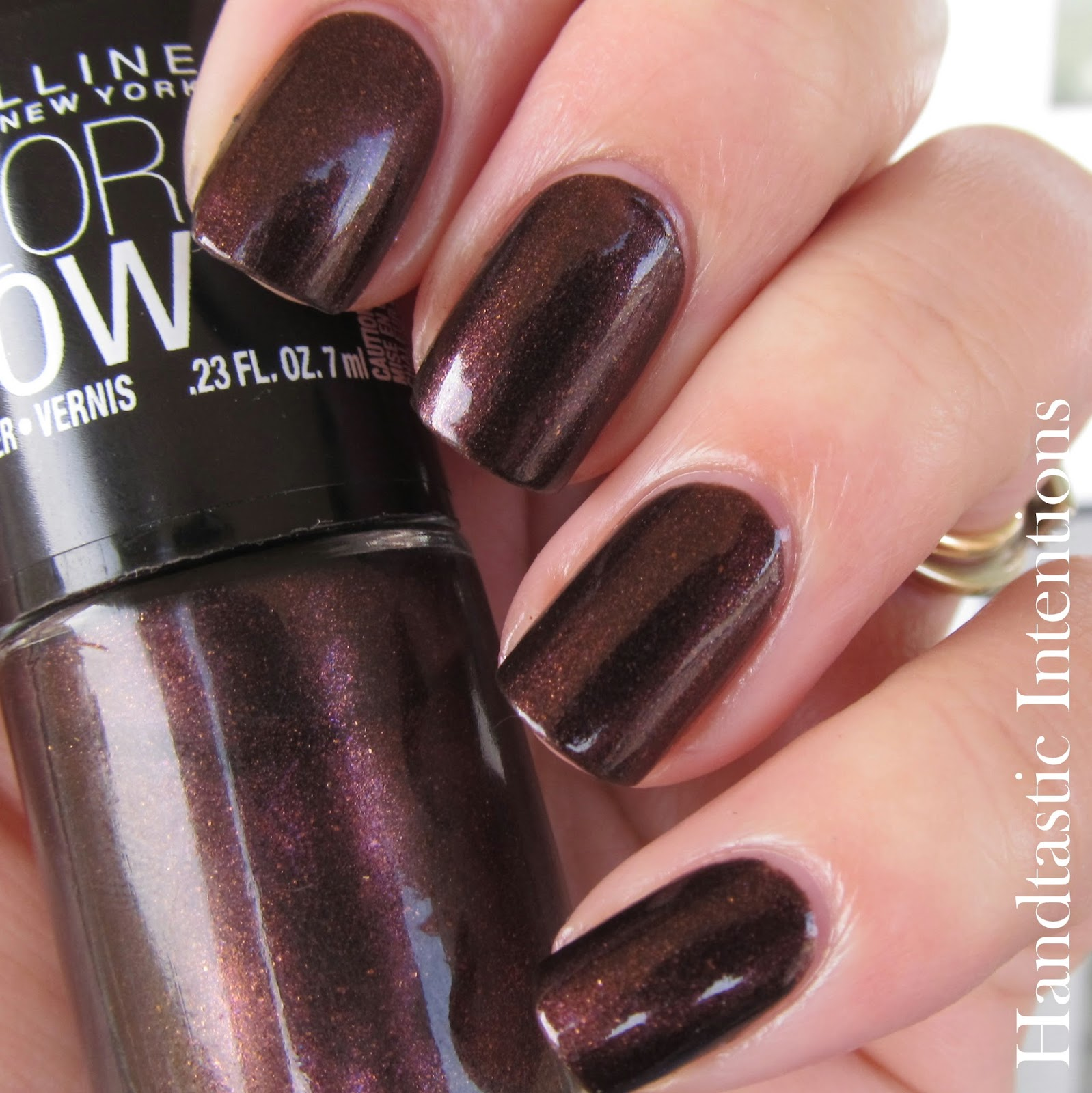 Handtastic Intentions: Swatch and Review of Maybelline Color Show