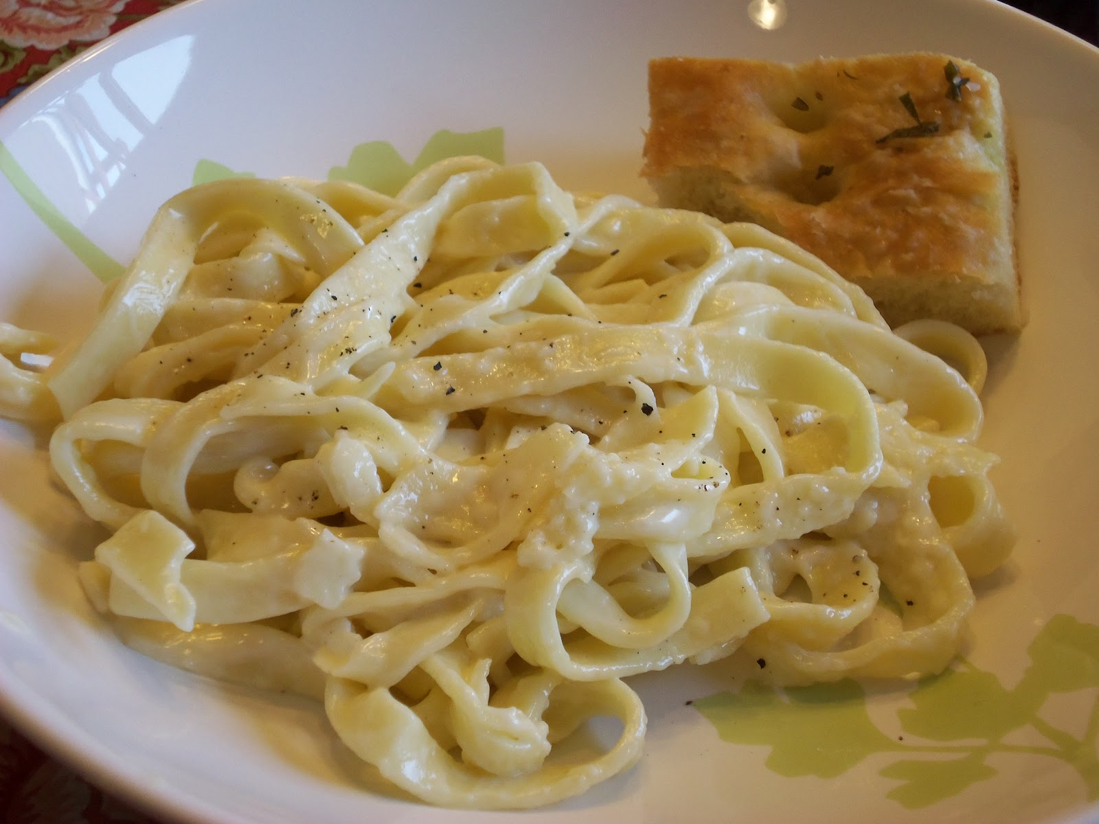 Jennifer's Table: Homemade Fettuccine Alfredo