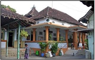 bentuk bangunan lama Masjid Perak