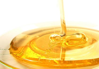 Mật ong thiên nhiên cũng có khả năng chống kích ứng nên rất phù hợp cho da nhạy cảm và cả da của em bé.