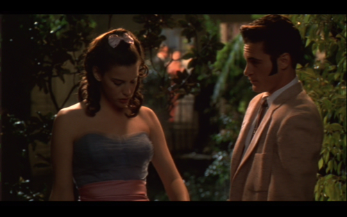 Liv Tyler and Joaquin Phoenix in Inventing the Abbotts 1997 movieloversreviews.blogspot.com
