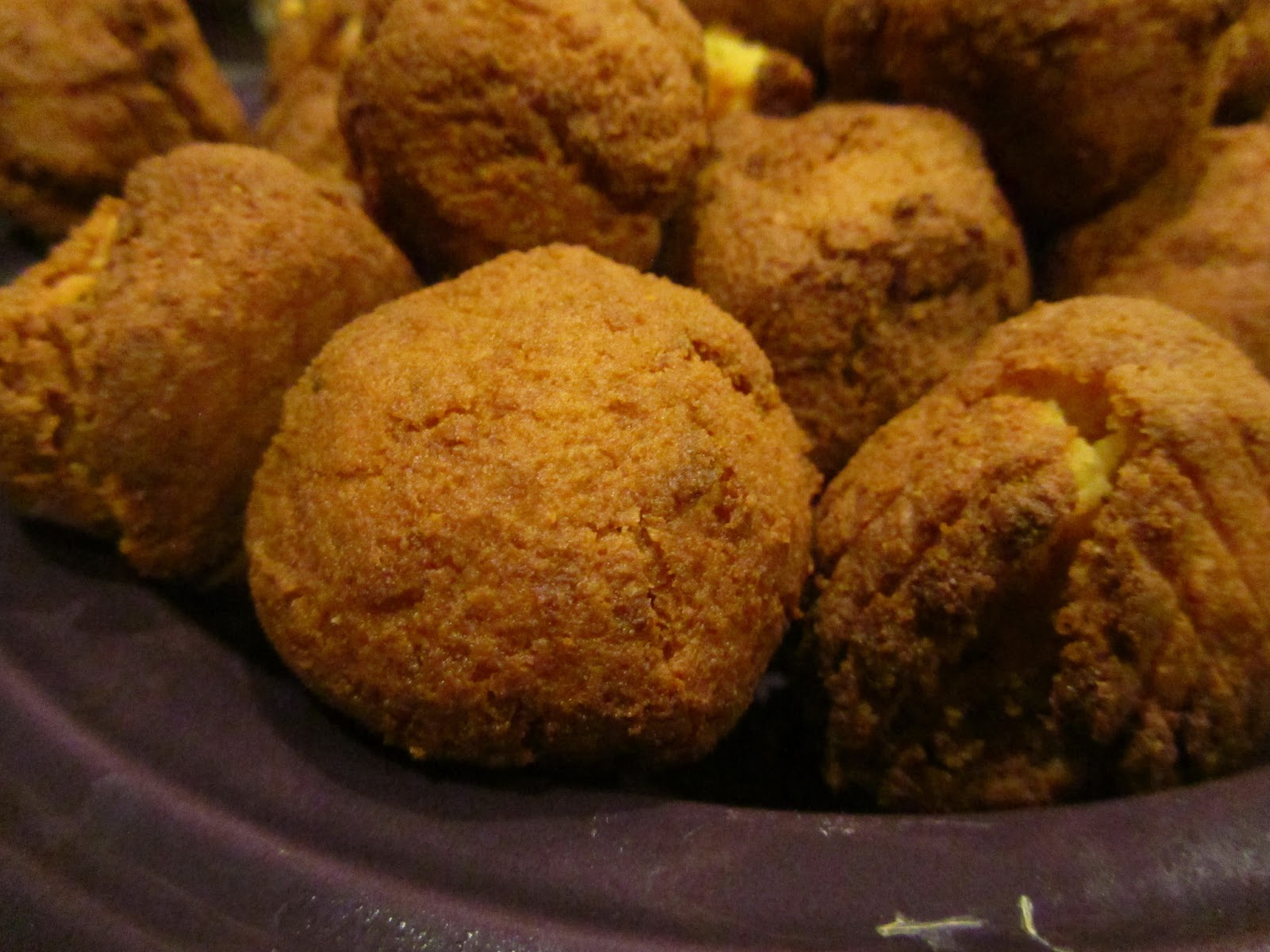 Caught Somewhere in Thyme: Paleo Hush Puppies