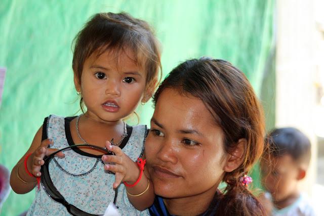 Portraits du jour : Enfants khmers du village de Prek Dey