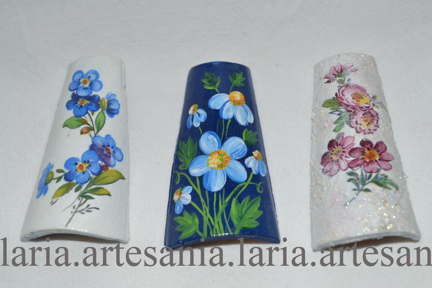 Artesan a laria broches con tejas peque as unas pintadas - Tejas pequenas decoradas ...