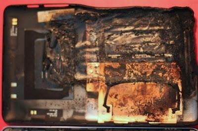 Tablet Nexus 7 Terbakar Saat Di Charge [ www.BlogApaAja.com ]