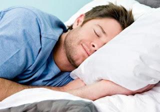 لماذا ينام الرجل بعد ممارسة الجنس - رجل نائم نوم عميق - deep sleep