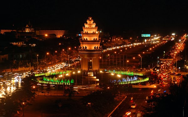 Phnom penh at night (Cambodia)