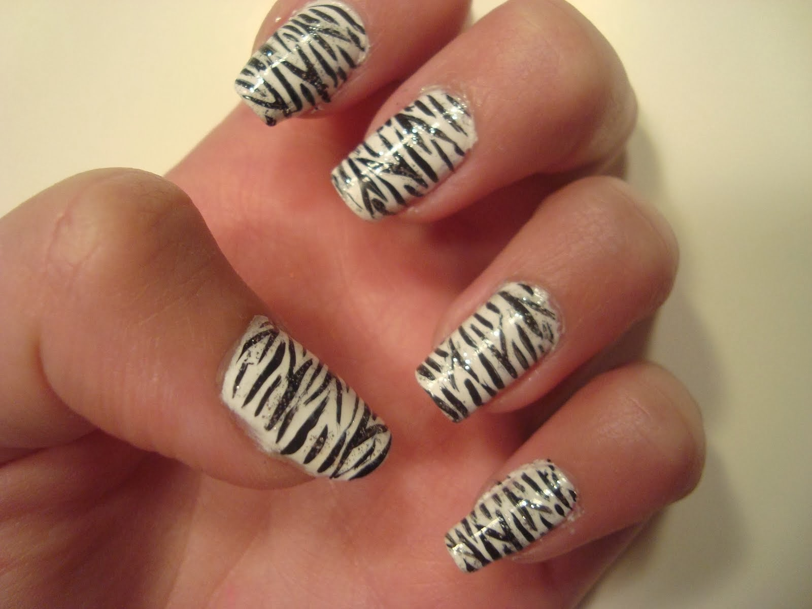 Nail Art Zebra Stripes Ideas | Fashionate Trends