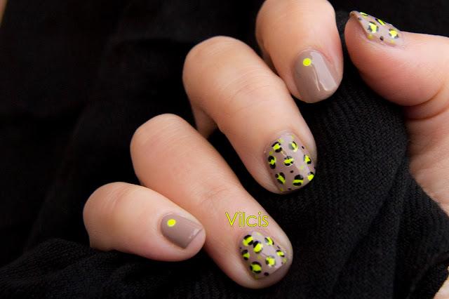 Diseño para uñas cortas: animal print nude neon vilcis