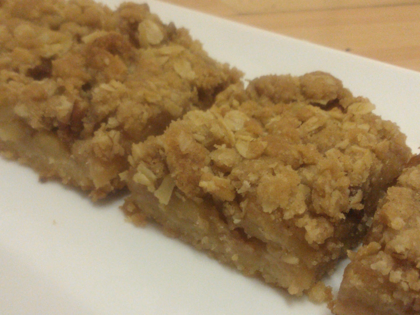 Baker Becky: Apple Pie Bars