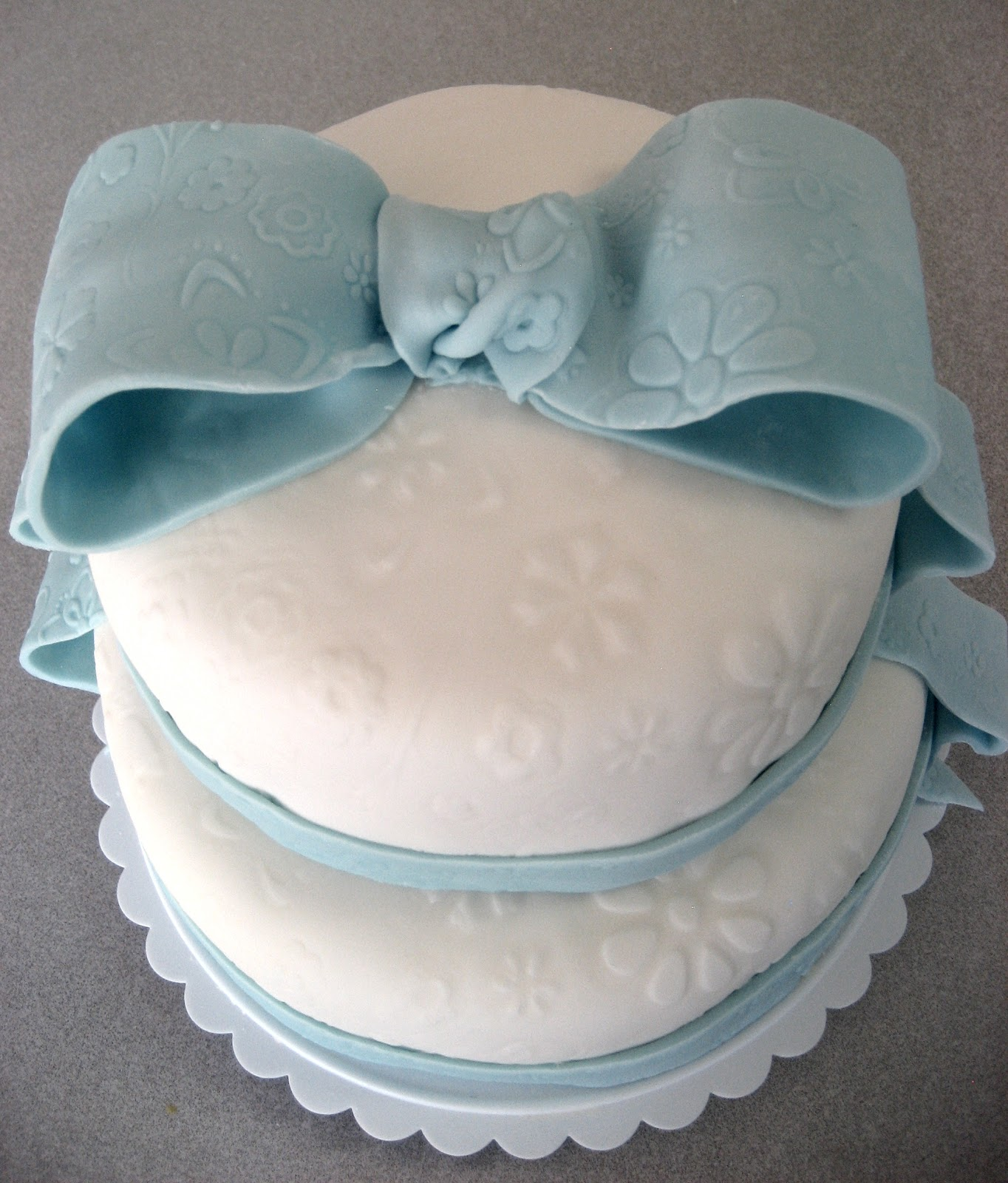 devanys designs simple and elegant baby shower cake