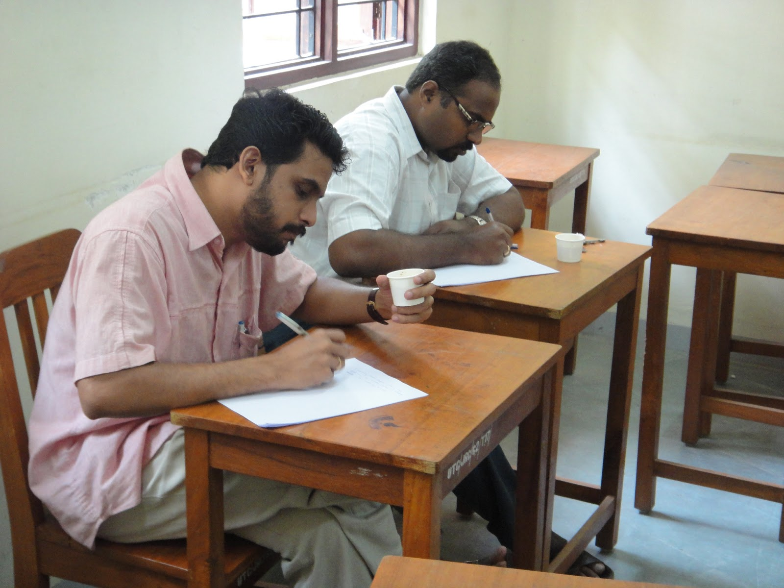 Essay competitions for adults : Essay Online Writing