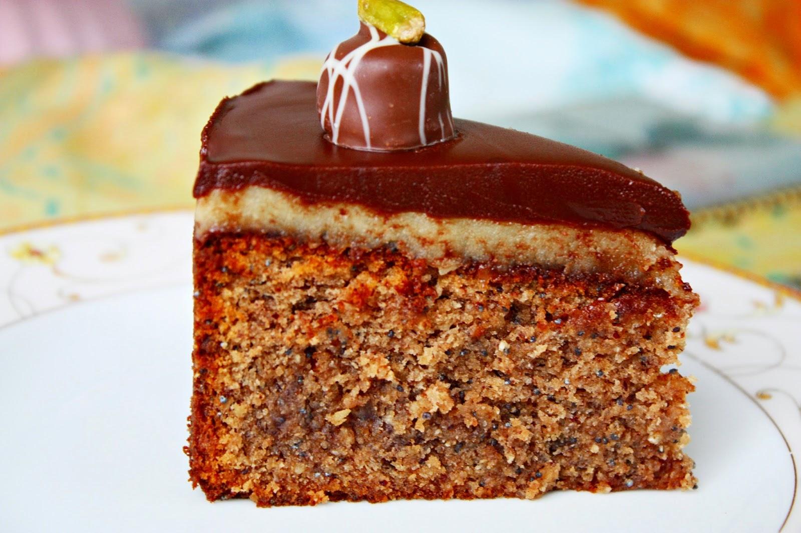 Nuss Schokoladen Torte mit Marzipan