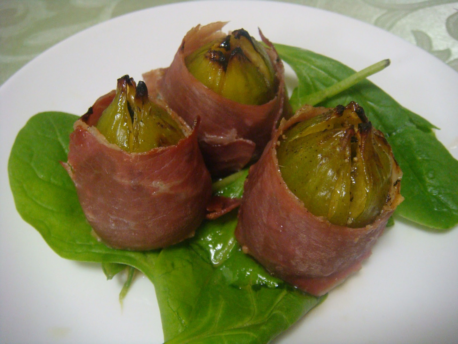 Saucy Thyme: Roasted Figs with Prosciutto and Gorgonzola