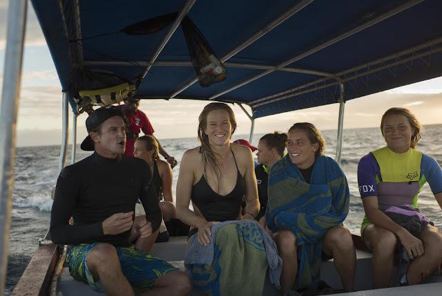 18 Boat Trip 2015 Fiji Womens Pro Fotos WSL Kirstin