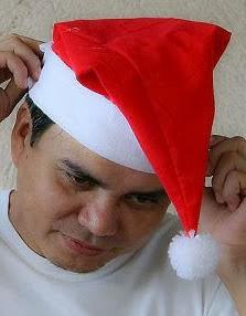 http://www.todomanualidades.net/2013/12/como-hacer-sombrero-santa-claus-fieltro/