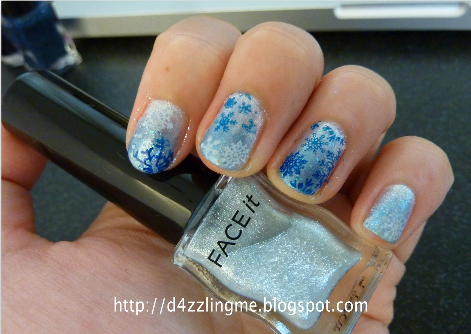D4zzling Me: Frozen Inspired Nails