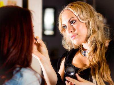 how to become a theatre makeup artist