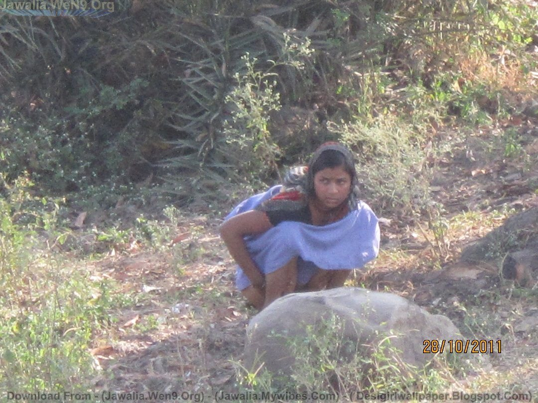 Indian village girls pissing toilet