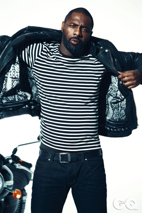 Idris Elba sexy Brando pose