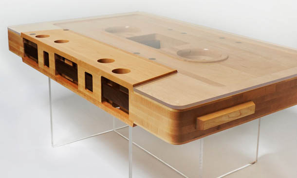 Mesa de café | Cassete audio | design de Jeff Skierka