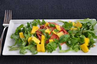 Arugula Salad with Tomato and Mango