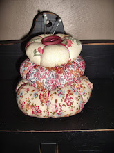 PINK &amp; CREAM FLORAL 3 TIERED PIN CUSHION
