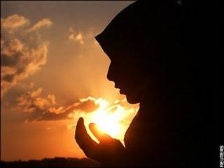 http://4.bp.blogspot.com/-qF8kSp5NIt0/T60AXPQONDI/AAAAAAAAAFw/nt8XwcnPM88/s1600/muslimah-759468.jpg