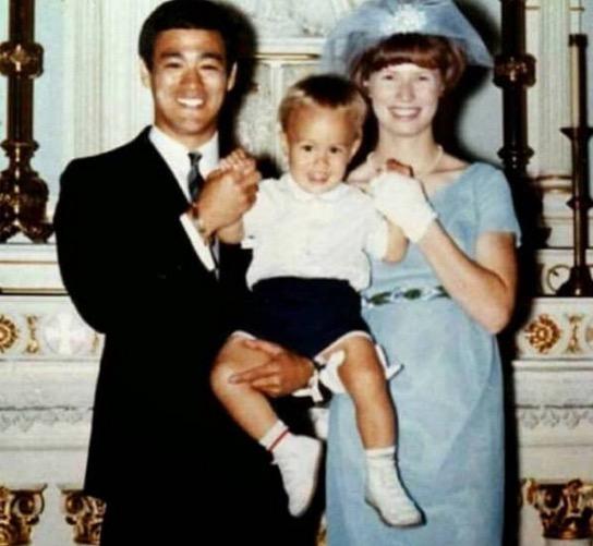Kehidupan Bruce Lee sebagai seorang ayah dan suami