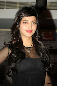 Shruti Haasan at Yevadu App Launch event-thumbnail-7