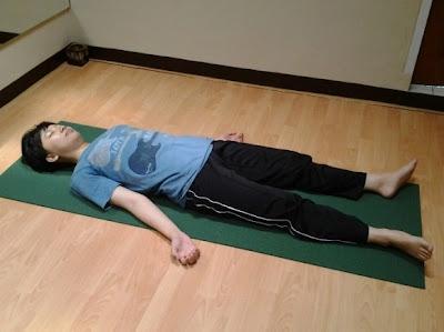 Gerakan Yoga Mengatasi Susah Tidur